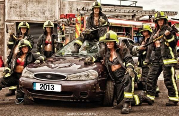 Bombeiras lançam calendário sexy para arrecadar fundos para caridade