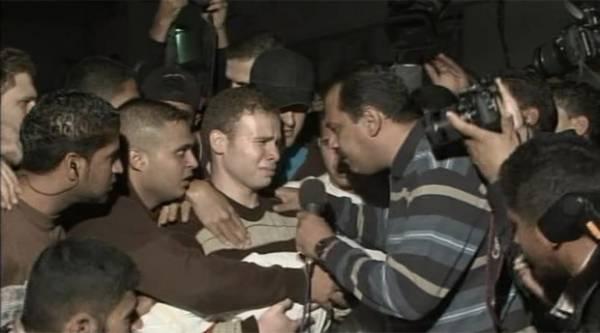 Ataque de Israel mata bebê, filho de jornalista