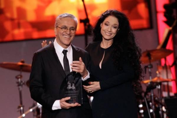 Caetano Veloso recebe homenagem no Grammy Latino