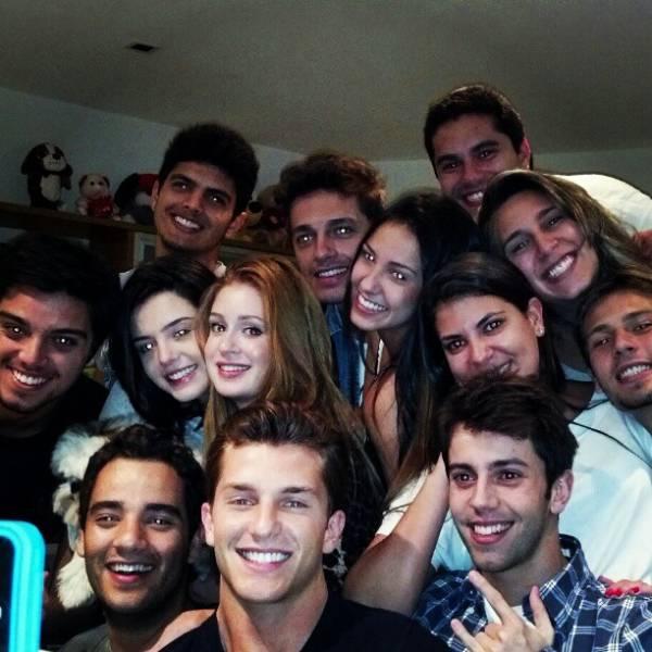 Festa reúne Rodrigo Simas, Giovanna Lancellotti e mais famosos
