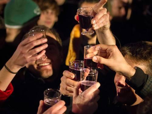 Vinho tem composto que ajuda a matar células cancerígenas