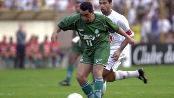 Desesperado, Palmeiras completa dez anos da queda à Série B