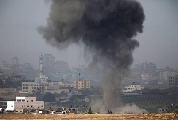 Israel bombardeia sede do governo do Hamas em Gaza
