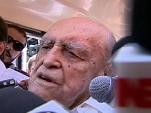 Oscar Niemeyer apresenta piora na função renal, diz boletim médico