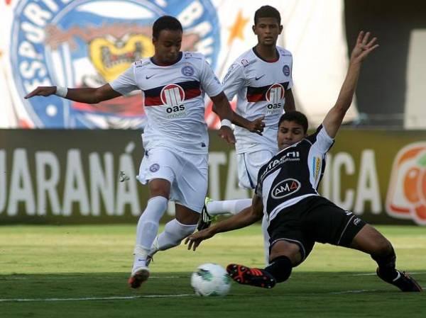 Com empurrão da torcida, Bahia derrota Ponte no fim e respira