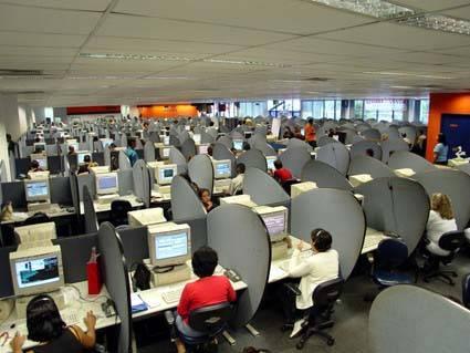 Mão de obra barata faz empresas de call center migrarem ao NE