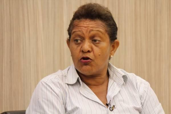 Mãe de homem que infartou ao ser algemado no centro de Teresina tem versão diferente da PM