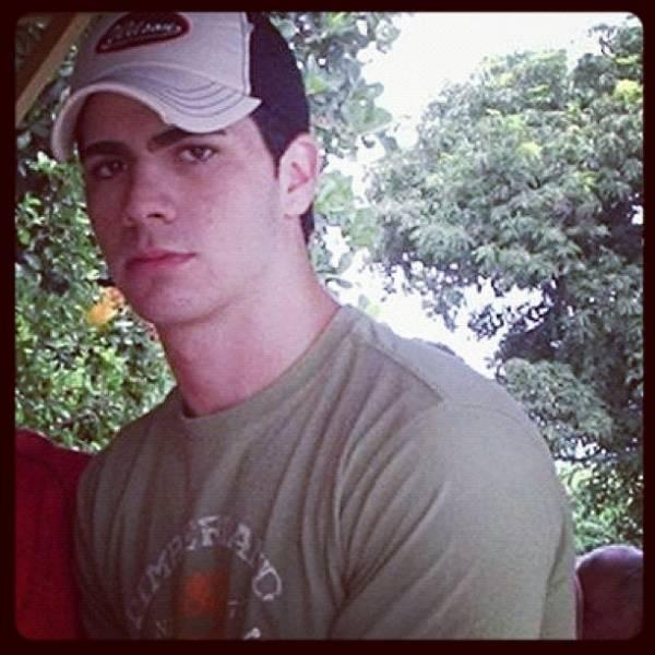 Adriana posta foto de Rodrigão mais novo e se declara: