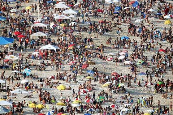 Excesso de feriados fará Brasil perder o equivalente a R$ 166 bi