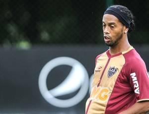 Nome de Ronaldinho Gaúcho encontra resistência no Flu
