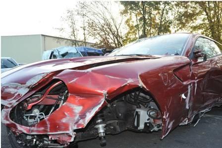 Ferrari destruída por Cristiano Ronaldo, em 2009, tem lance de R$ 26 milhões em leilão