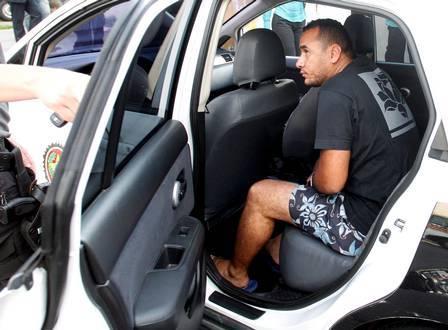Polícia prende 8 e lacra sede da torcida do Flamengo