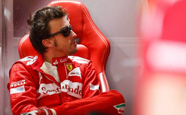 Favorito, Vettel fica em segundo em treinos para o GP do Brasil