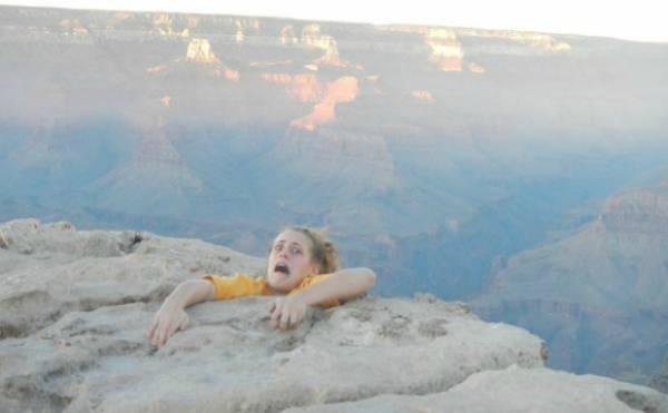 Filha publica foto para assustar a mãe e vira piada na web