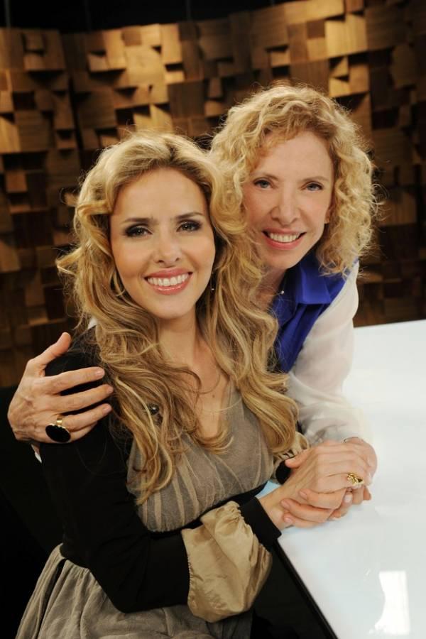 Leona Cavalli conta para Marília Gabriela como relaxou para ensaio nu