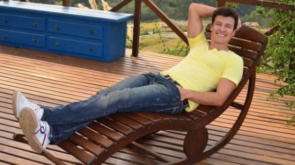 Rodrigo Faro pede R$ 5 milhões para apresentar ?Fazenda de verão?