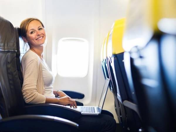 Serviço de internet sem fio ainda é raro em voos brasileiros