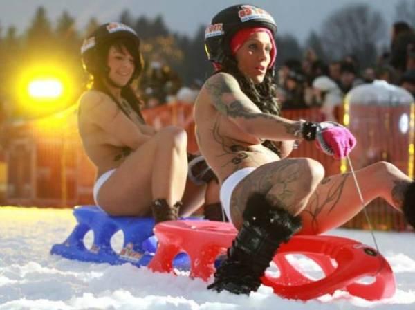 Competição de trenó com jovens de topless é cancelada na Alemanha