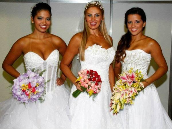 Ângela Bismarchi ensaia para o casamento vestida de noiva