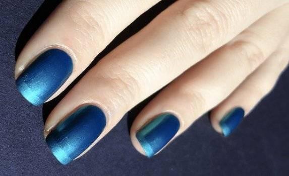 Veja o esmalte ideal para pintar as unhas no Réveillon 2013