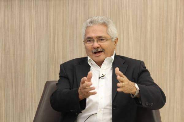 Elmano Férrer diz que dívidas da Prefeitura não existem