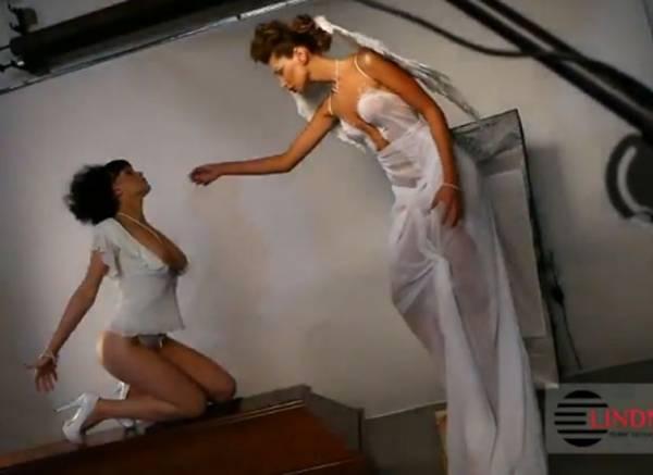 Empresa polonesa de caixões lança calendário sexy