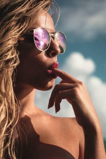 Capa da Playboy, Coleguinha provoca e fala sobre sexo