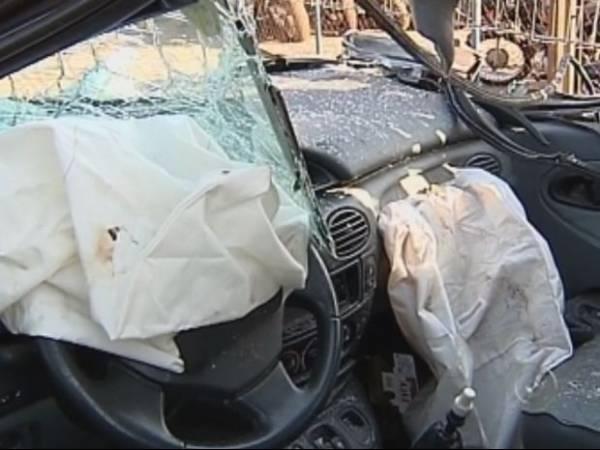 Piora estado de criança deixada no carro pelo pai depois de acidente
