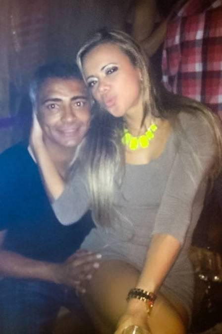 Romário nega, mas modelo afirma romance e detona mulher dele