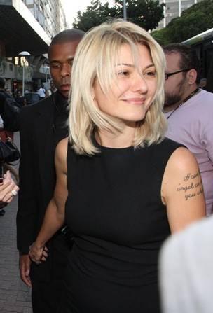 Antonia Fontenelle divulga novo comunicado à imprensa