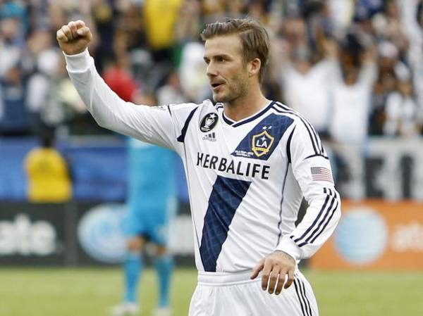 No adeus de Beckham, Galaxy vira sobre Dynamo e fatura tetra