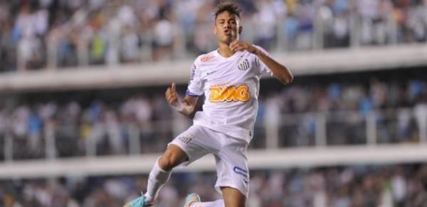 Neymar marca mais gols em 2012 do que nove atacantes do Santos juntos
