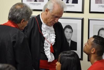 Advogado que chamou Macarrão de gay é notificação pela Justiça