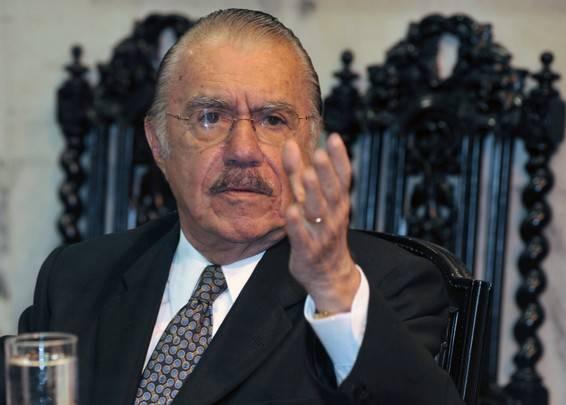 Após vinte e dois anos, José Sarney volta a ser presidente do Brasil