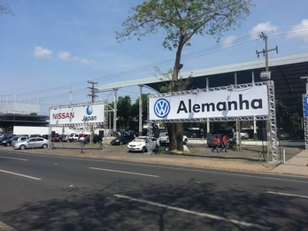 Clientes fecham negócios no 1º Feirão Caixa do Carro Próprio que segue até domingo; aproveite
