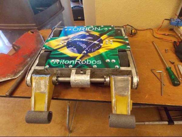 Brasileiros ganham destaque em eventos de robótica em 2012