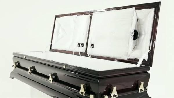 Empresa vende caixão de R$ 64 mil que toca músicas para o morto