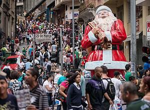 Natal deve ter mais compradores, mas com presentes mais baratos