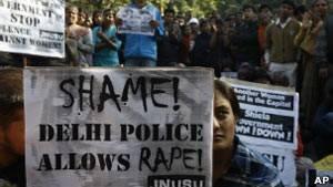 Estupro coletivo em ônibus causa comoção na Índia