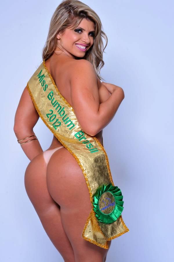 Miss Bumbum Brasil 2012 posa para revista e dispensa photoshop