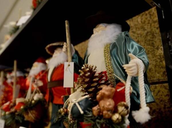 Com Papai Noel verde e gafe, hotel aguarda corintianos no Japão