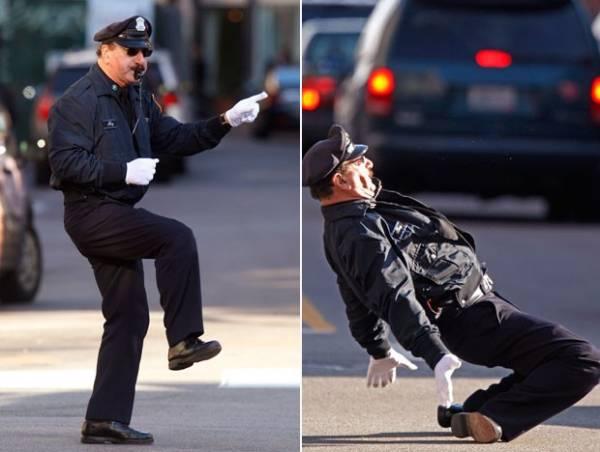 Policial faz sucesso ao dançar enquanto orienta o trânsito nos EUA