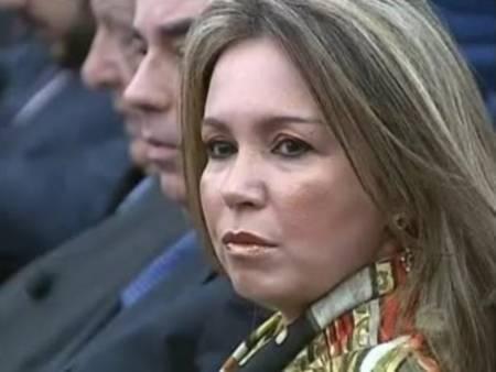 Promotora é acusada de ameaçar gerente de banco com garfo de churrasco