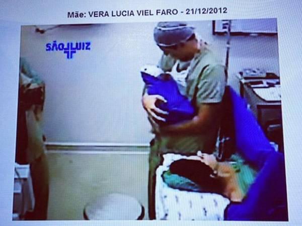 Nasce, em São Paulo, a terceira filha de Rodrigo Faro