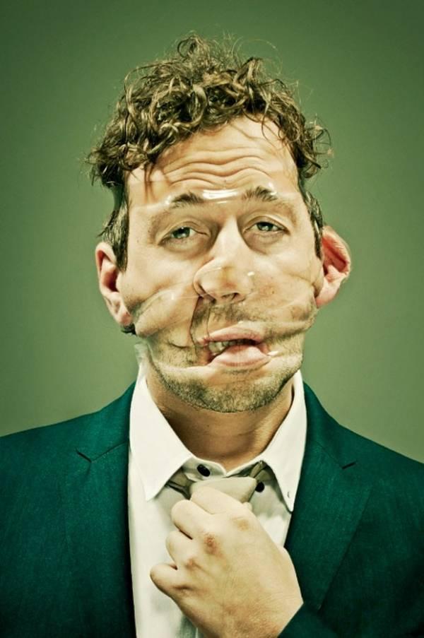 Fotógrafo distorce rosto de modelos usando fitas adesivas