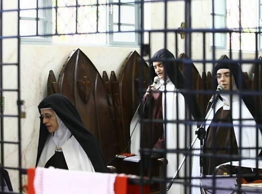 Número de monjas enclausuradas no país é o maior desde o século 18