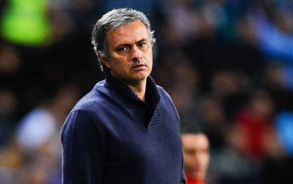 Em enquete de jornal, torcida do Real pede demissão de José Mourinho