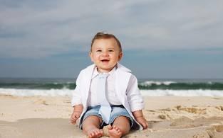 Ex-BBB Priscila posa com filho Gabriel e faz planos para 2013