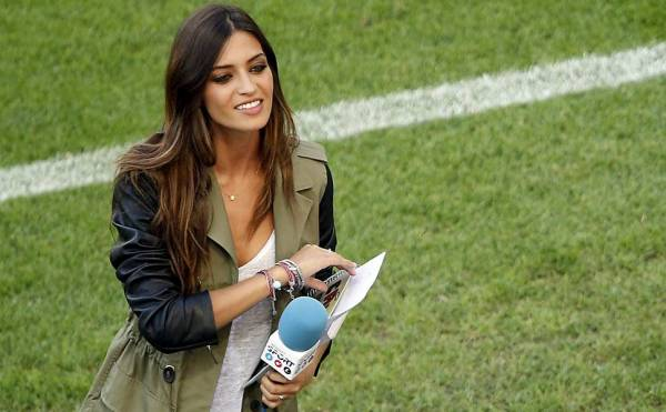 Jornal elege as mulheres de jogadores de futebol do ano