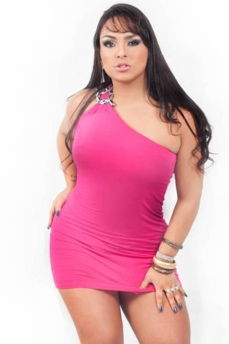 Mulher Melancia: Em busca de um amor, ela diz que vai passar o Ano Novo de calcinha rosa